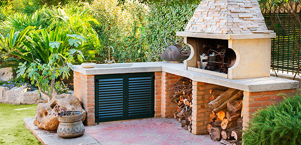 Outdoor kitchen area